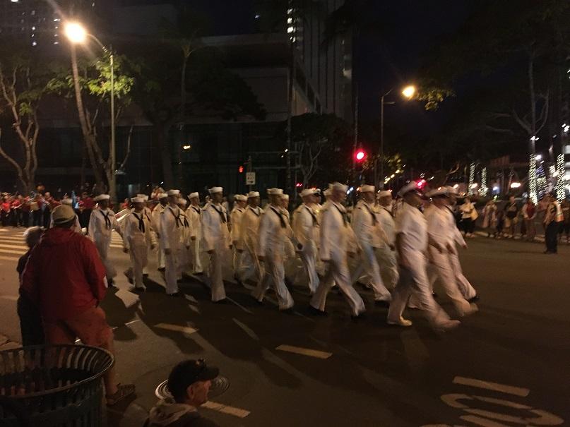 真珠湾攻撃追悼パレードがワイキキで行われました