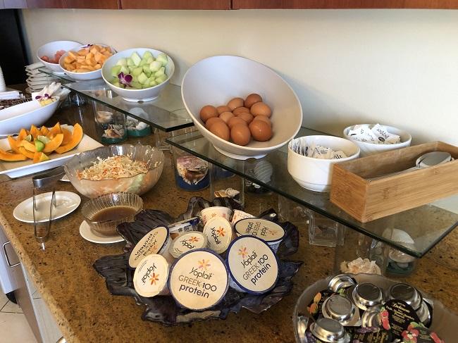 ヒルトン タイムシェア グランド・ワイキキアンのペントハウスの専用ラウンジで無料の朝食