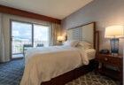 改装されたグランドワイキキアンの寝室