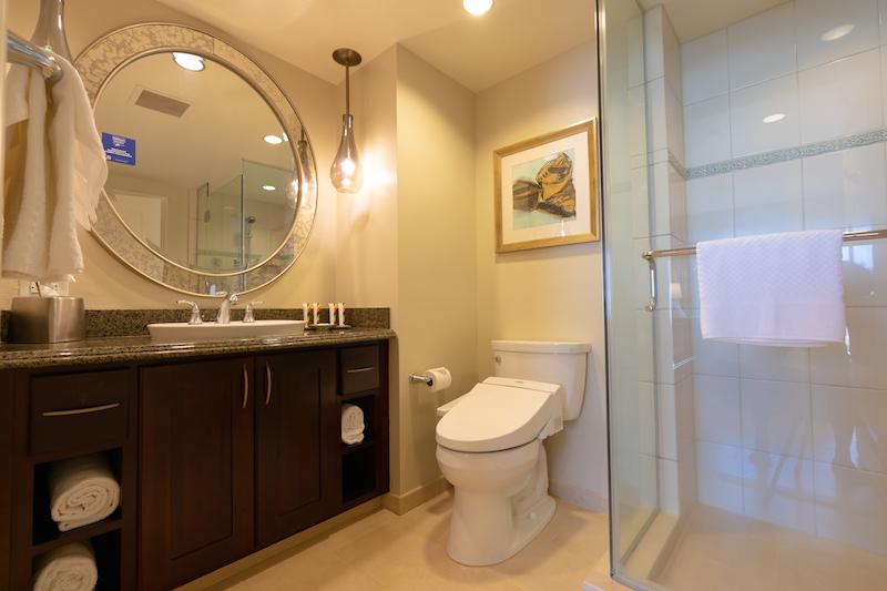 改装されたグランドワイキキアンのバスルーム