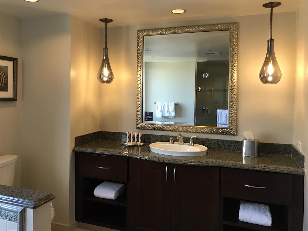 ヒルトンワイキキアンのペントハウス3711号室の副寝室(ゲストベッドルーム)