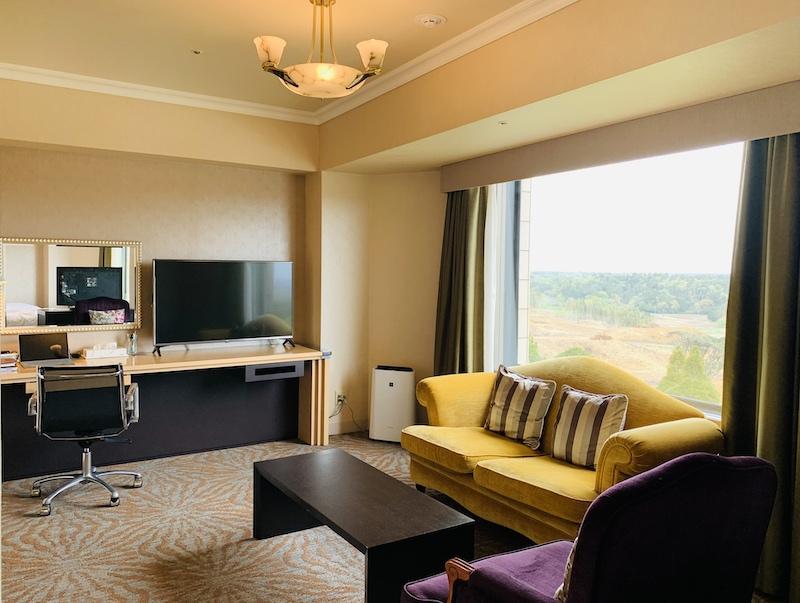 ヒルトンホテルでアップグレードして案内されたジュニア・スイート・ツィンの内観