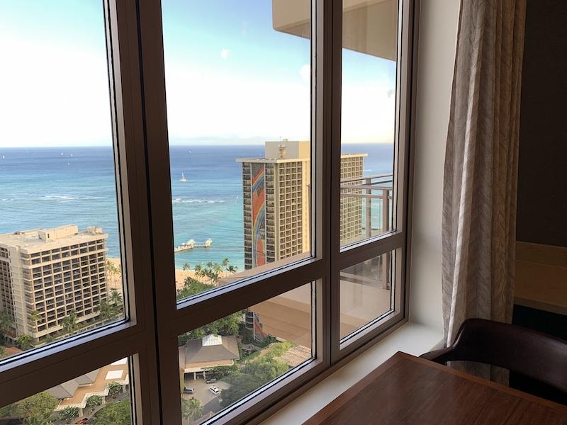 ワイキキアン ペントハウス専用ラウンジからの海の眺め