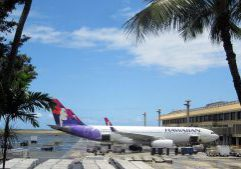 1024px-Hawaiian_Airlines_A330