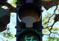 Bicycle_Stoplight_(21373886905) (1)